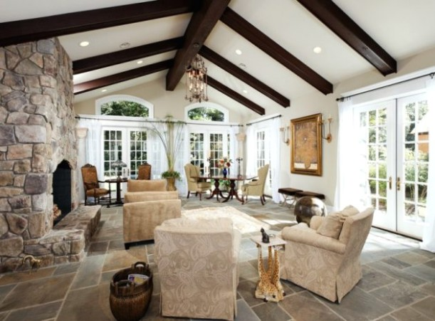 14 Charming Living Room Designs With Vaulted Ceiling - living room vaulted ceiling | living room vaulted ceiling