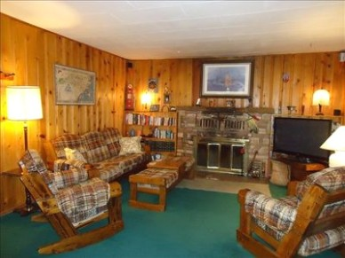 All wood 20 cabin--charming, quiet, isolated: but minutes from everything  - Ruidoso - living room 1960 | living room 1960