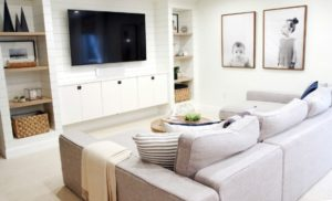 How to Organize the Family Room November HOD - Clean and Scentsible | living room organization ideas