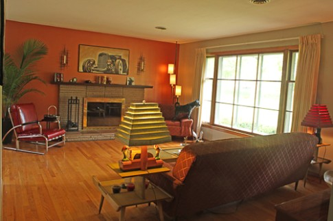 "Jim and Kathleens ""little slice of 20"" Knoxville home - Retro .. 