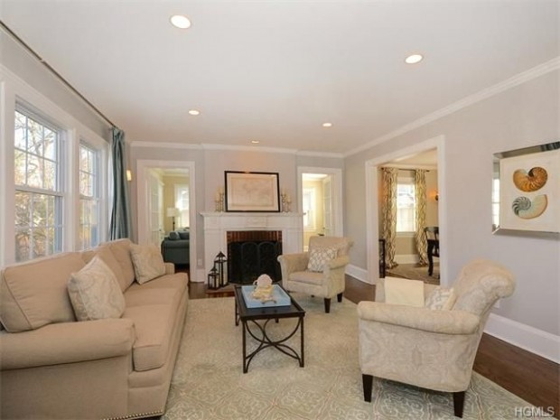 Recessed lighting in living room. I like the idea of a light over ..   can lights living room
