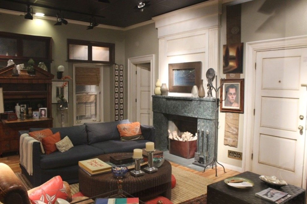 Set of Will and Grace (With images) | Nyc apartment decorating .. | will and grace living room painting