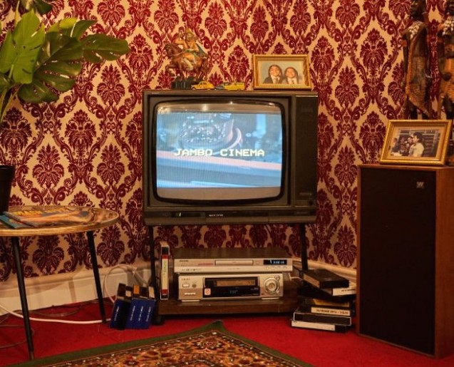 Step back in time into the Asian living room of the eighties .. | living room 80s