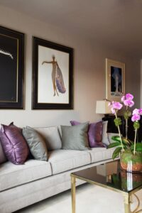 How To Use Purple In Stunning Looking Living Rooms | purple living rooms ideas