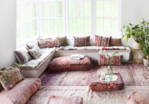 Un salon rose pastel aux influences arabes | Modern bohemian ..